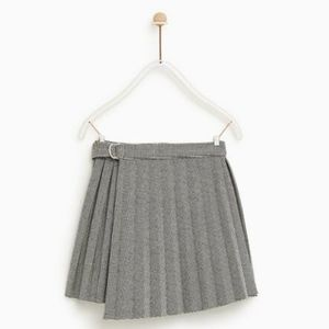 Zara pleated skirt with wring